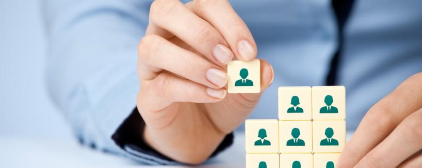 Les réseaux sociaux au cœur des recherches d'emploi en France en 2015